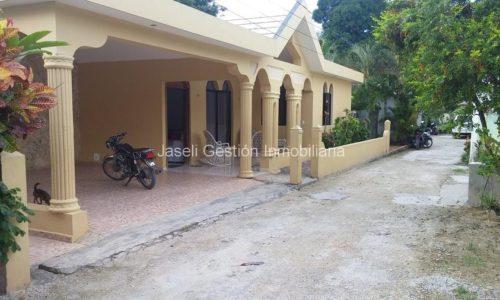Casa en venta en Las Terrenas, Alquiler y venta de villas, casas, apartamentos y solares en Las Terrenas, Samana, Republica Dominicana